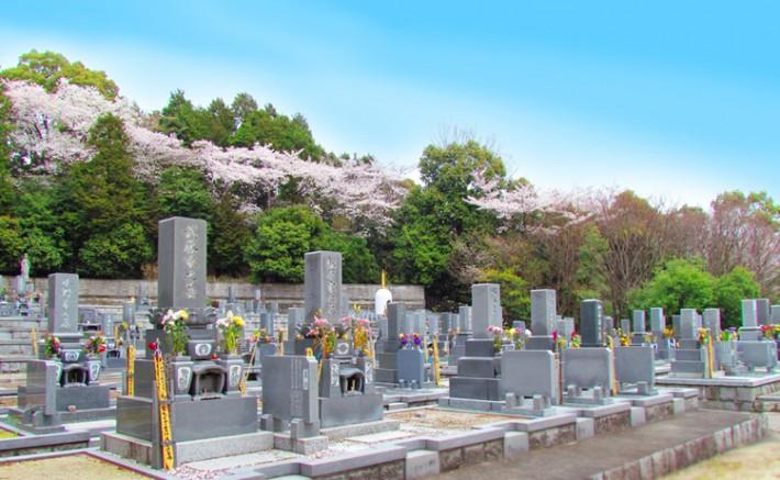 お墓-710x437